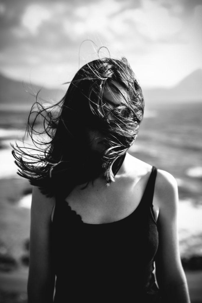 Hiustenlähtöön ja terveyteen liittyy monia tekijöitä. Tiesitkö, että myös esimerkiksi ikä ja sukupuoli vaikuttavat hiusten hyvinvointiin